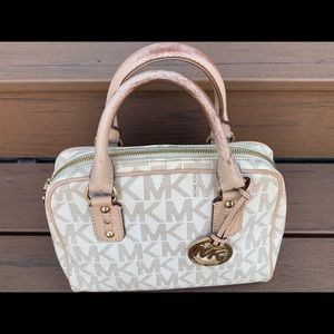 MICHAEL KORS - Small Natural Colored Logo Handbag